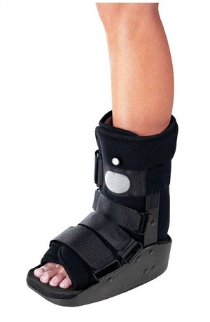 MaxTrax Air Ankle Walker Fracture Cast Boot